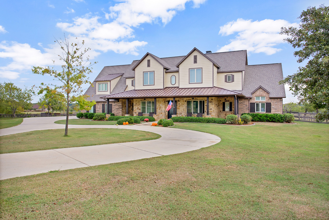 002-216HickoryRidgeCourt-Argyle-TX-76226-small