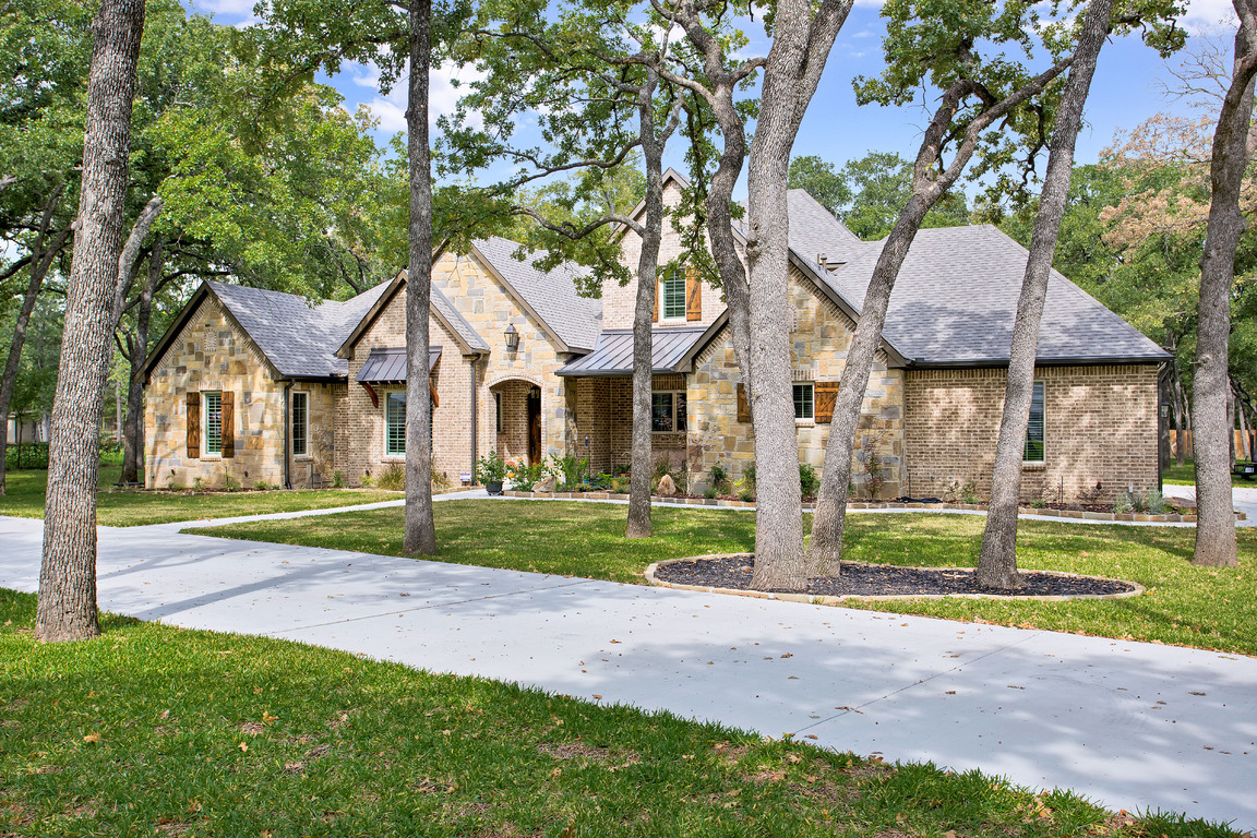 003-204WestAshLane-Euless-TX-76039-small